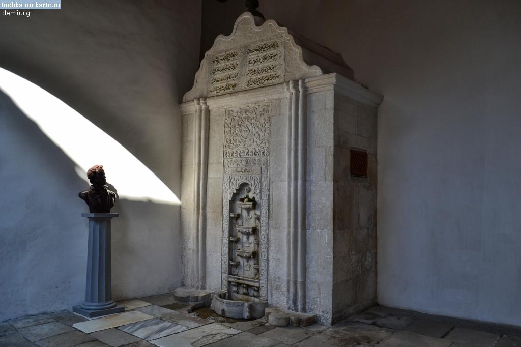 Крым. Бахчисарайский фонтан